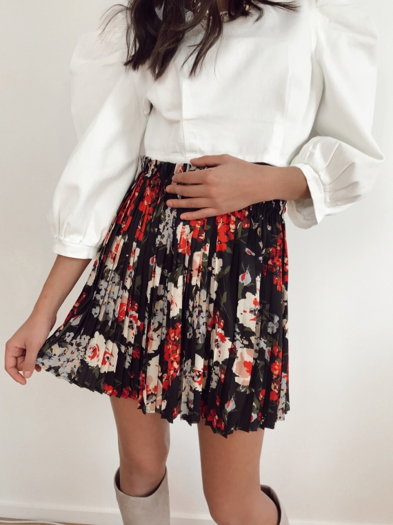 Black ASTRE pleated floral skirt