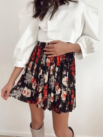 Black ASTRE pleated floral skirt