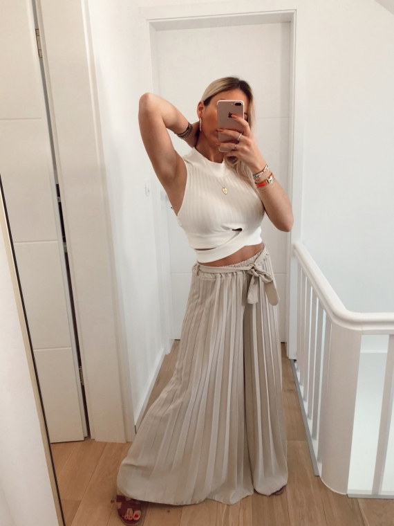 Beige LOVER pleated oversize pants