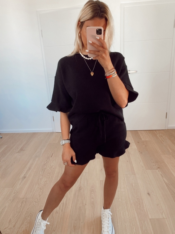 Black COMFY shorts and t-shirt set