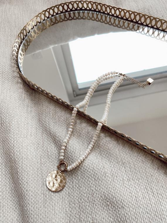Collier perles avec médaillon JOSHUA