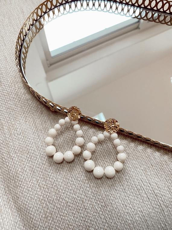Boucles d'oreilles SOLEDAD perles blanches